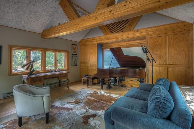 tn_Piano-Room-1